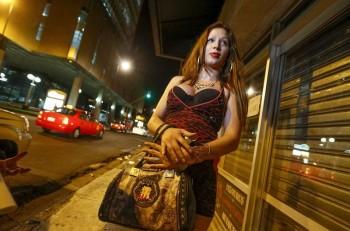 "Xiomara, ""chica trans"" on the streets of San Jose, says she uses some 20 condoms or more nightly. Photo: Jorge Arce, Nacion.com"